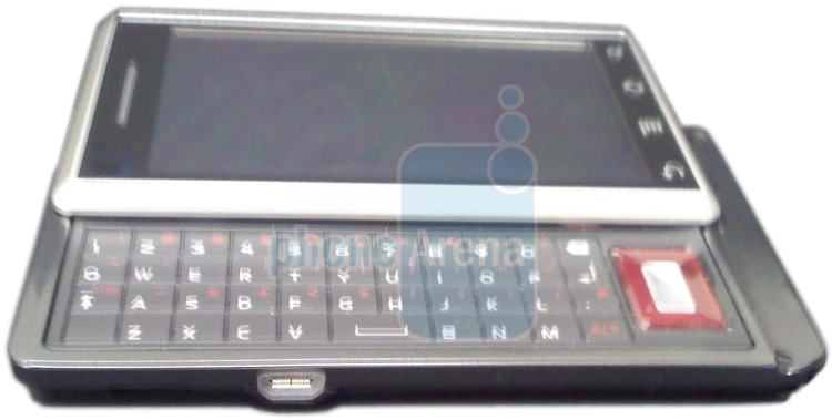 First live image of the Motorola Shules for Verizon_1249109530376
