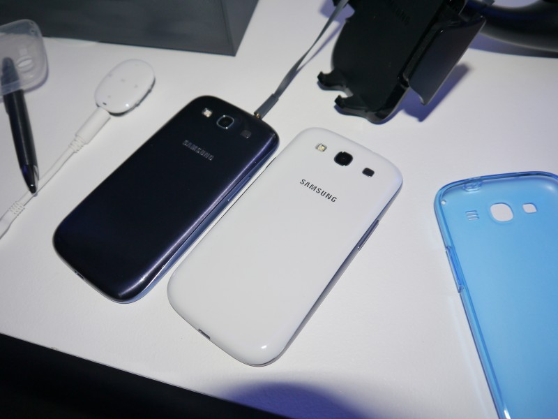 Galaxy S III blanc vs bleu
