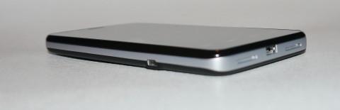smartphone orange avec intel inside