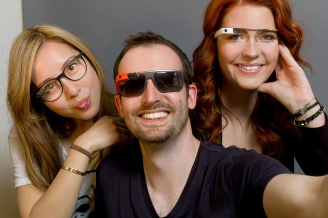 Google-Glass-prescription-and-shades-640x425