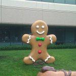 La statue Gingerbread vient d'arriver au Googleplex