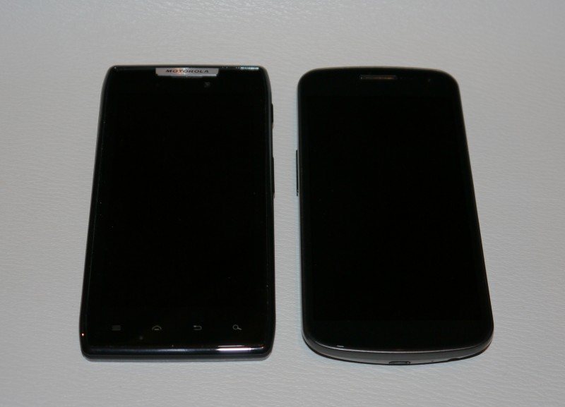 Motorola Razr vs Galaxy Nexus