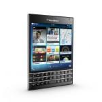 Blackberry dévoile Le Passport, son nouveau téléphone carré #WTF