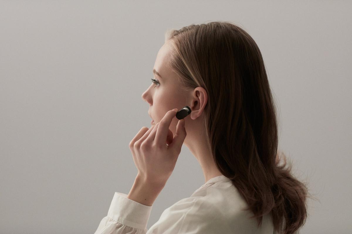 sony-xperia-ear-press-image (1)