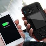 Une console de jeux portable qui recharge votre smartphone